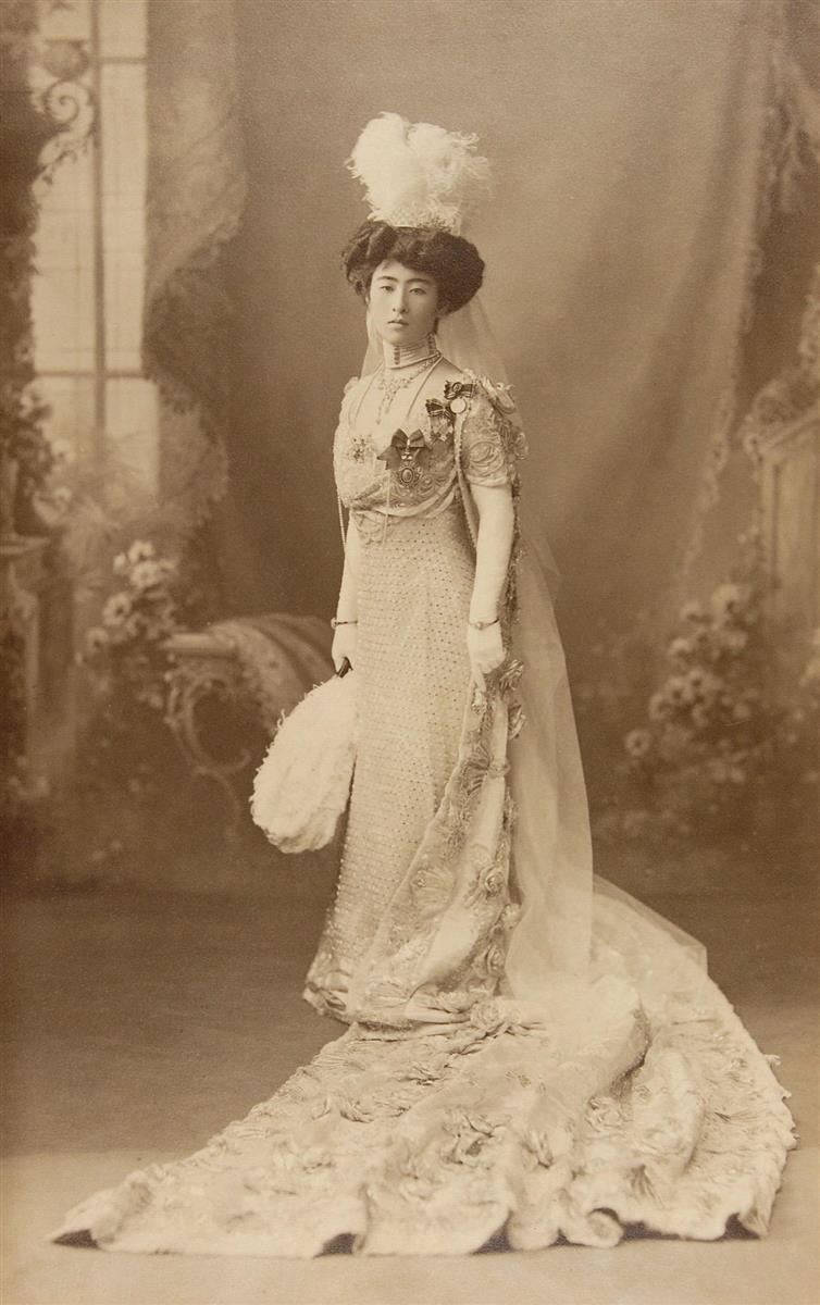 【孤高の国母】(32)皇太子の前にあらわれた「洋装」の美女 新婚早々暗雲が…
